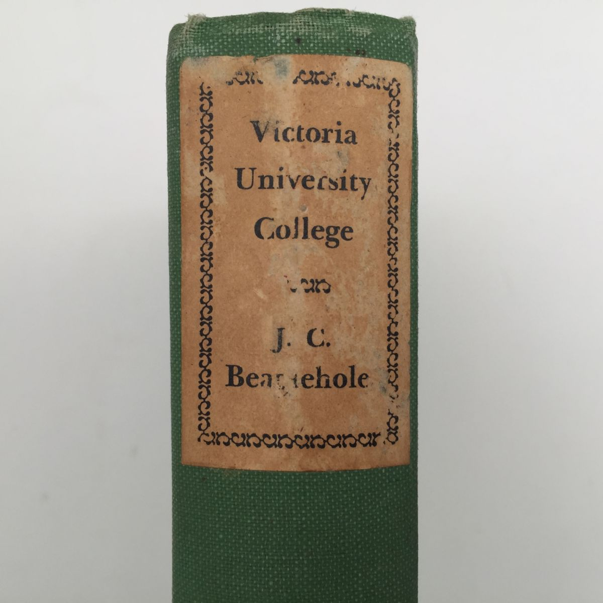 Victoria University College: An essay towards a history